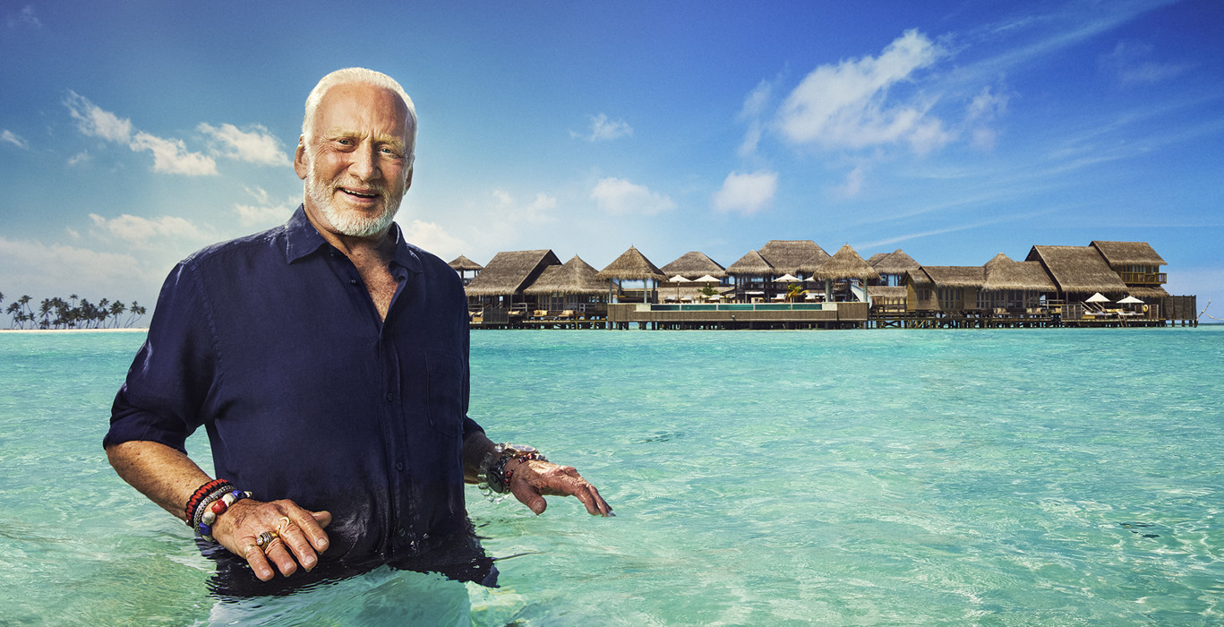 Man on the Moon Discovers Paradise on Earth